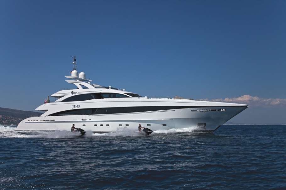 Luxury-Yacht-Jems-05
