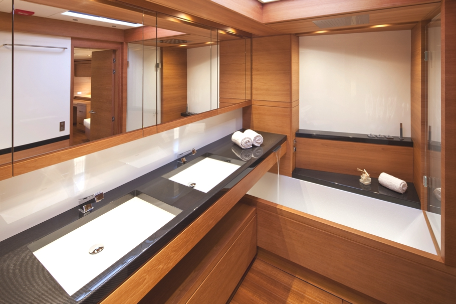 Luxury-Yacht-Thalima-02