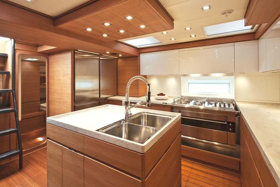 Luxury-Yacht-Thalima-05