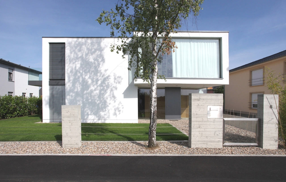 Contemporary-Property-Luxembourg-00