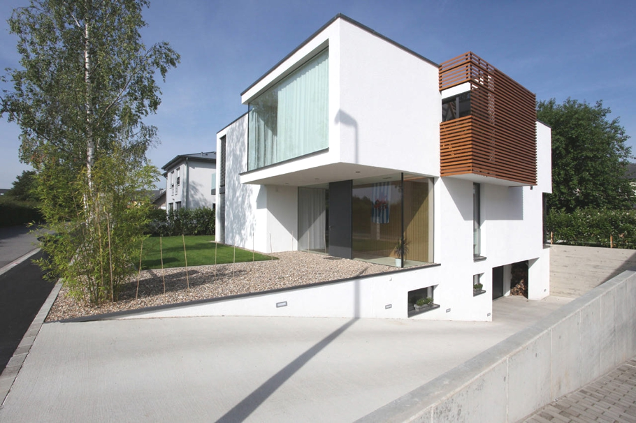 Contemporary-Property-Luxembourg-01