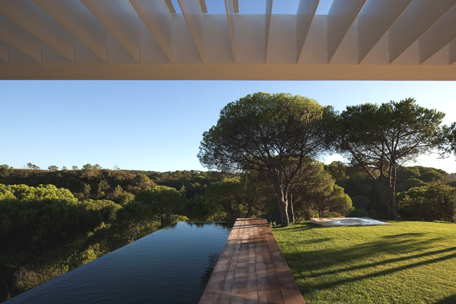 Contemporary-Property-Portugal-09