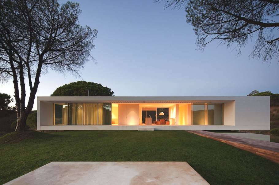 Contemporary-Property-Portugal-12
