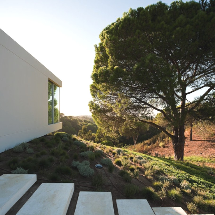 Contemporary-Property-Portugal-15