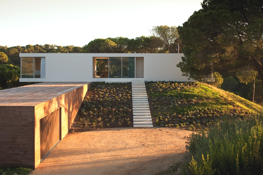 Contemporary-Property-Portugal-16