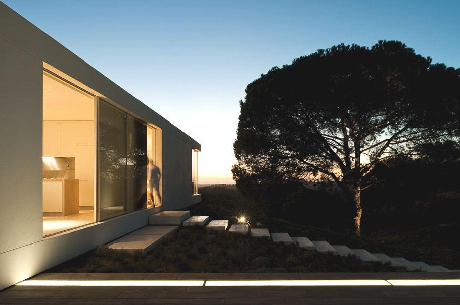 Contemporary-Property-Portugal-17