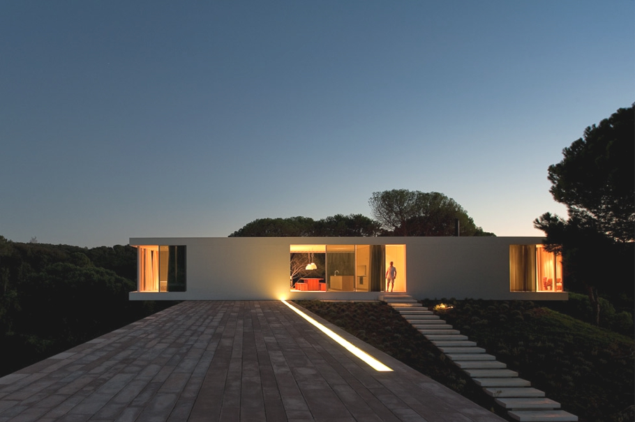 Contemporary-Property-Portugal-18