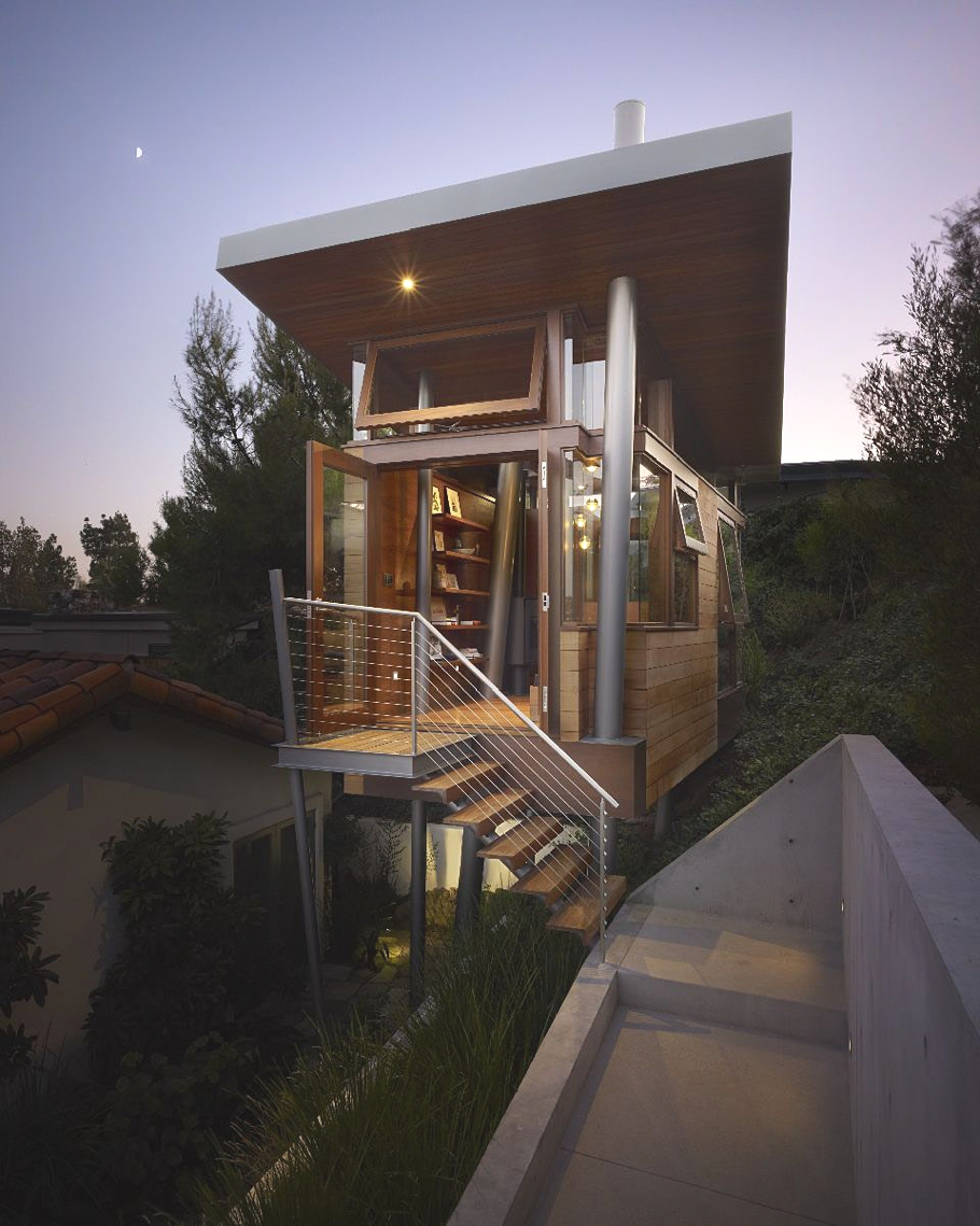 Contemporary-Tree-House-california-11