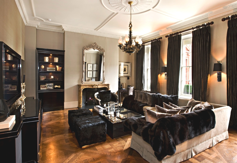 Elegant townhouse in historic mayfair square london adelto adelto - Ideas for decorating a small townhouse ...