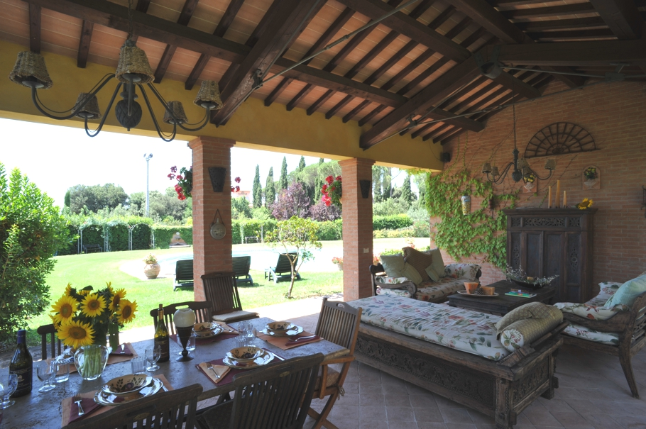 Luxury-Tuscan-Villa-08