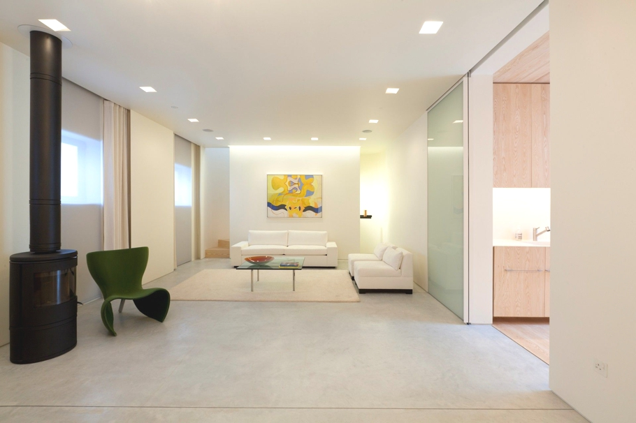 Contemporary-Property-London-England-01
