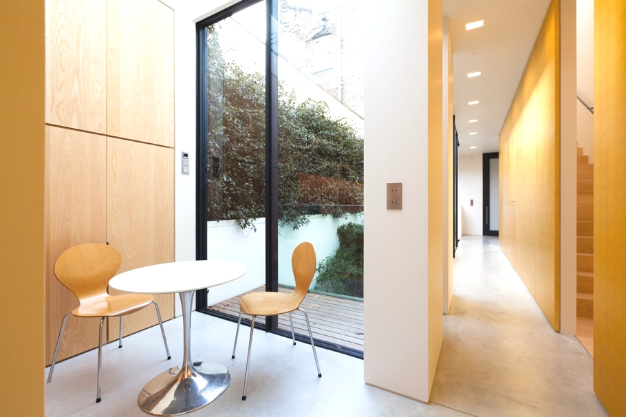 Contemporary-Property-London-England-04