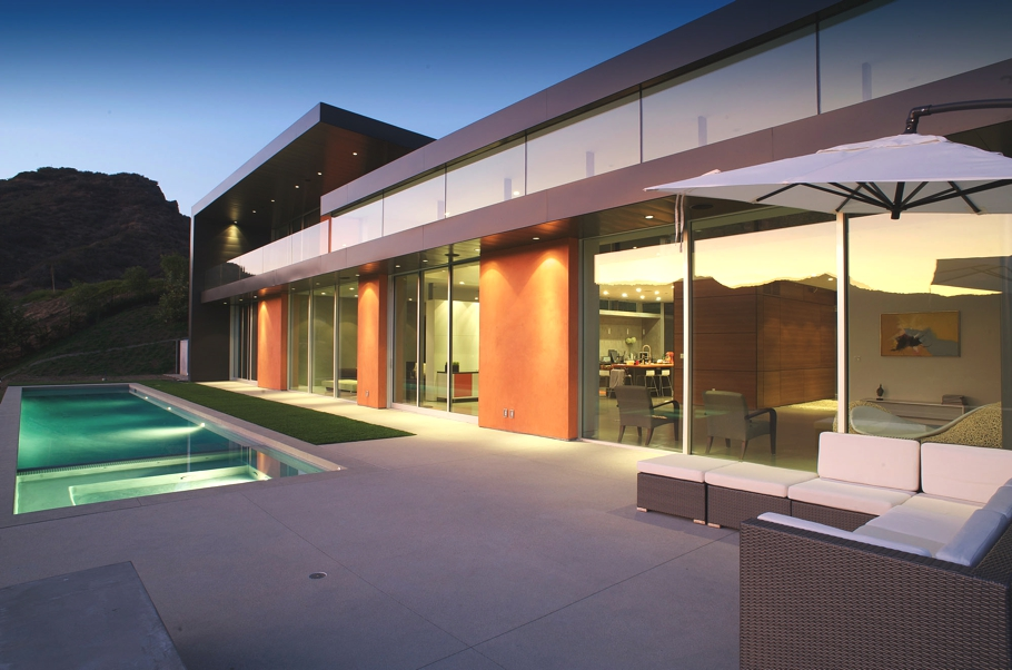 Contemporary-Property-Los-Angeles-California-14