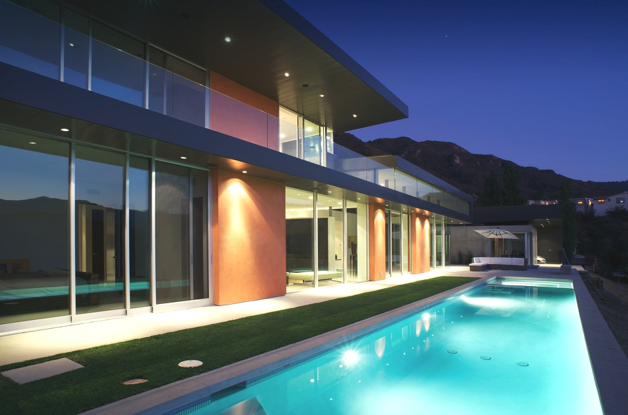Contemporary-Property-Los-Angeles-California-15
