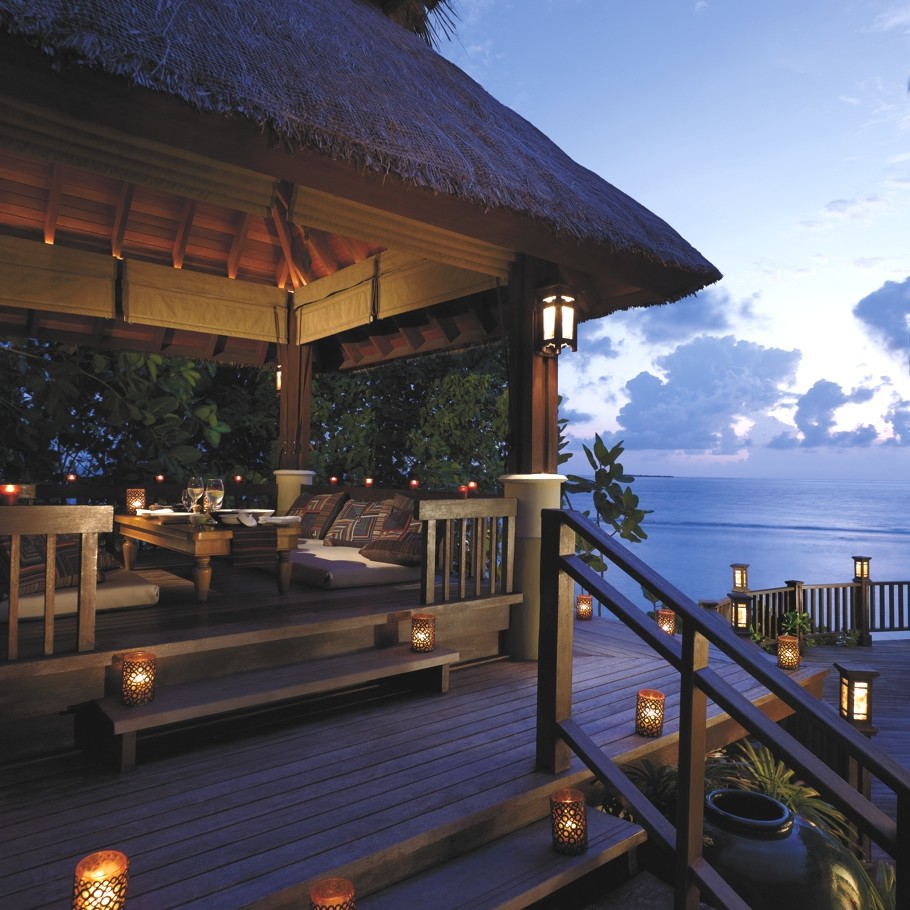 Luxury-Holiday-Resort-Maldives-05