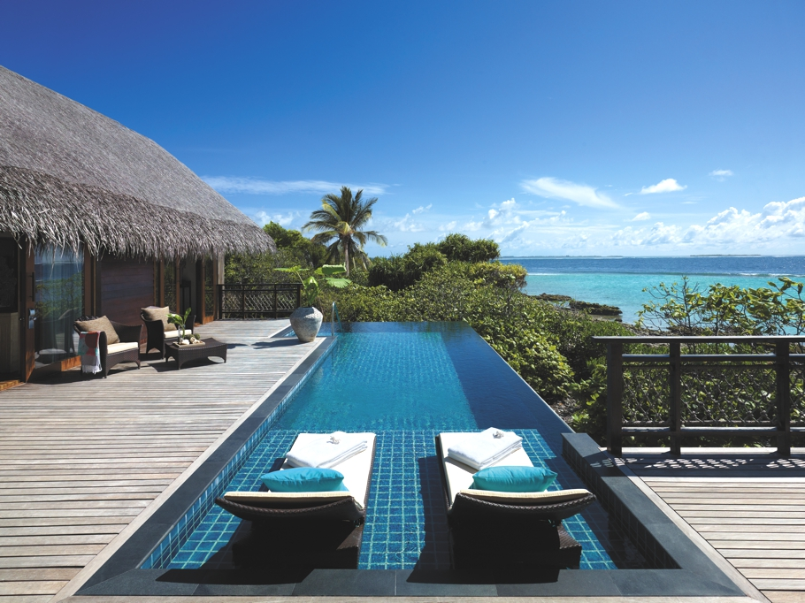 Luxury-Holiday-Resort-Maldives-09