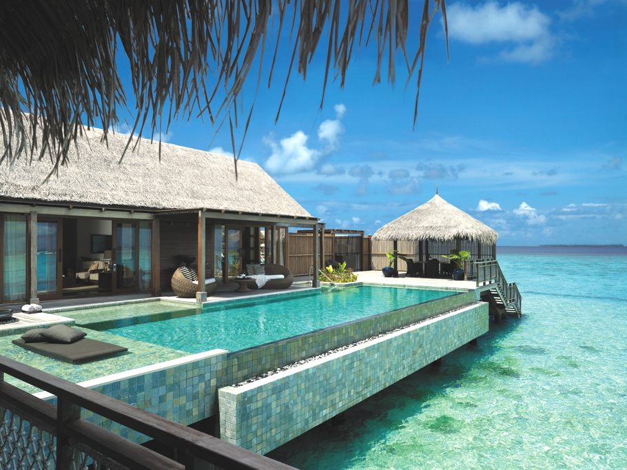 Luxury-Holiday-Resort-Maldives-12