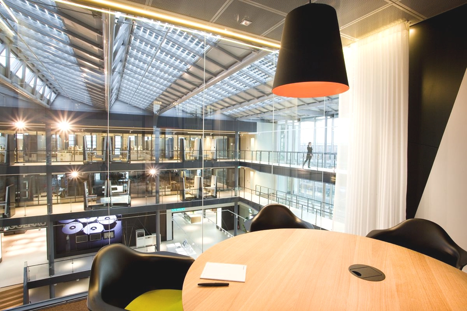 Contemporary-Office-Space-The-Netherlands-12