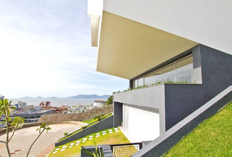 Contemporary-Property-Brazil-02