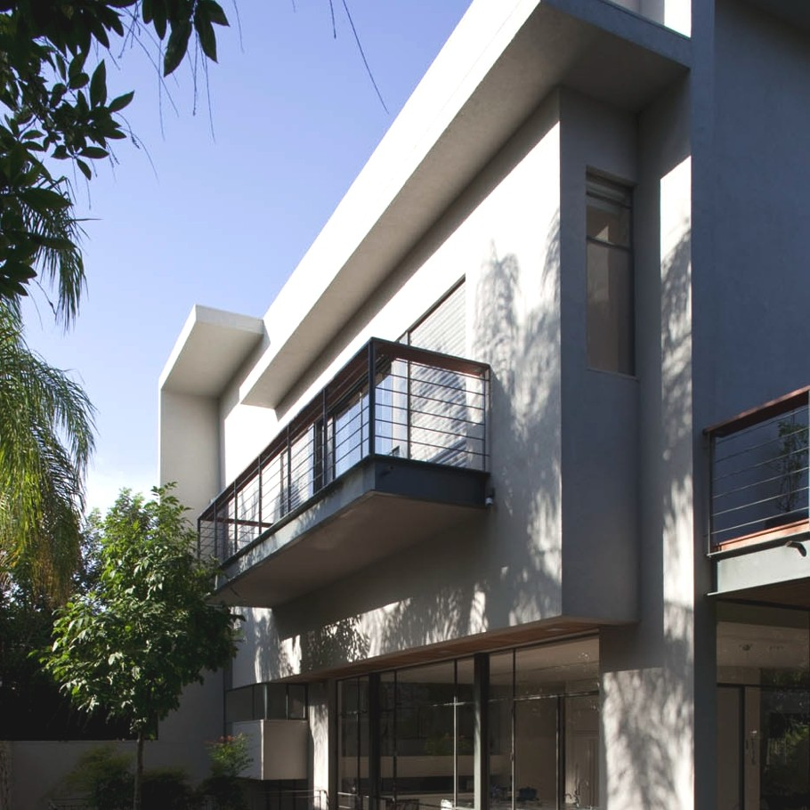 Contemporary-Property-Israel-01