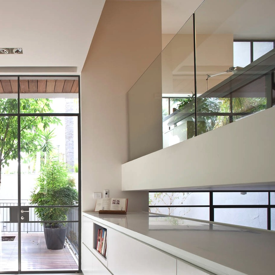 Contemporary-Property-Israel-10