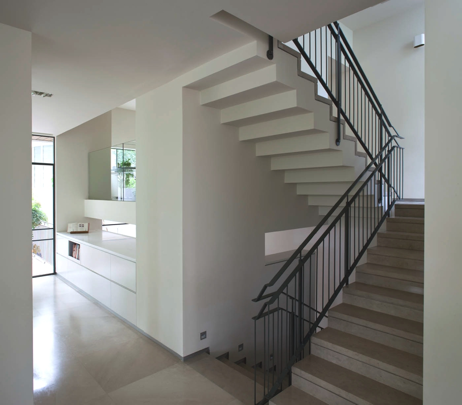 Contemporary-Property-Israel-12