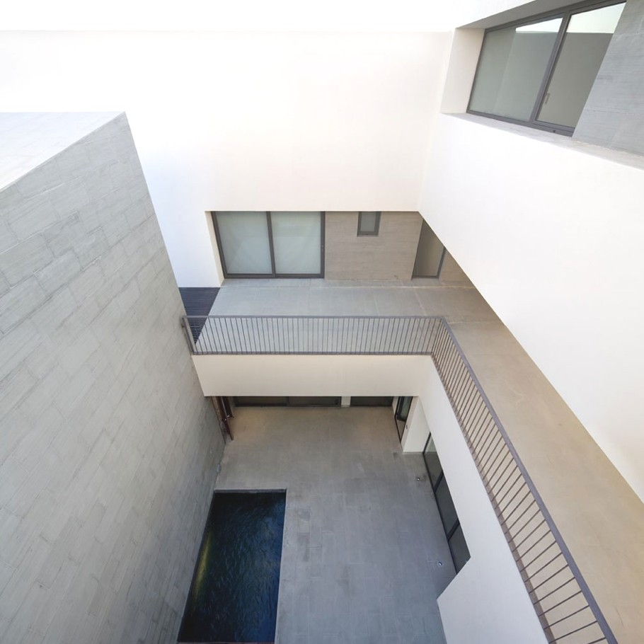 Contemporary-Property-Kuwait-01