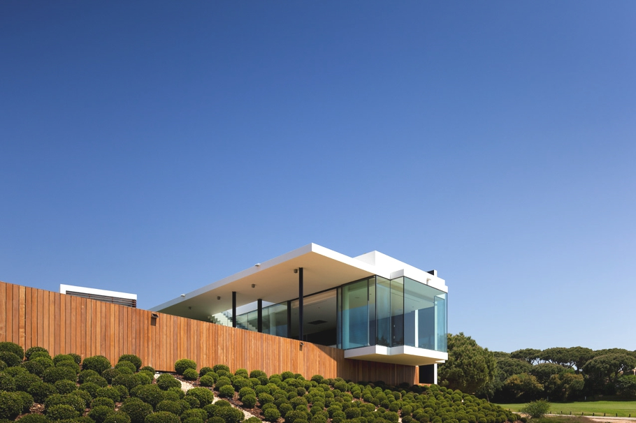 Contemporary-Property-Portugal-01