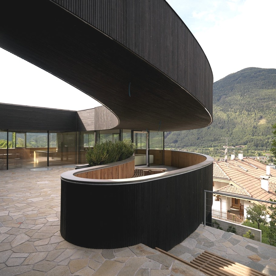 Contemporary-property-Italy-03