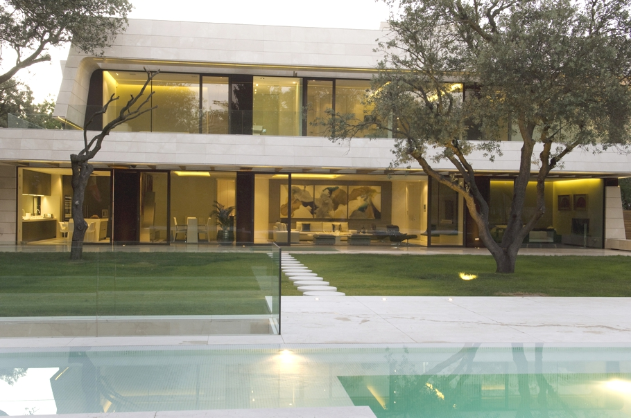 Contemporary-property-Madrid-Spain-08