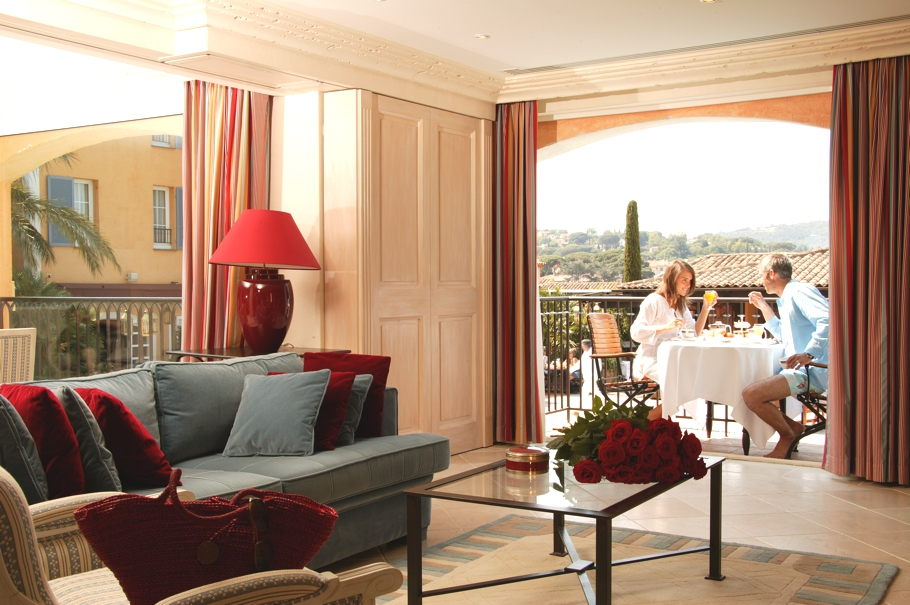 Luxury-French-Hotel-14