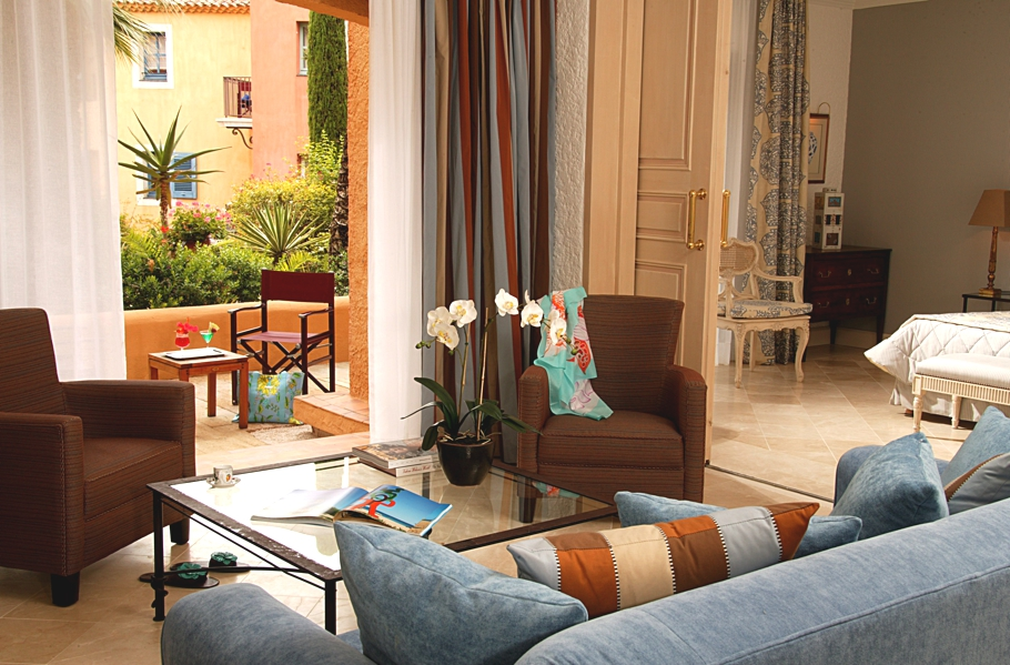 Luxury-French-Hotel-15