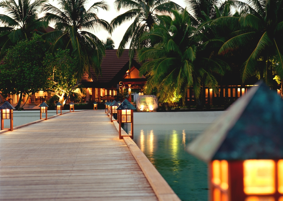 Luxury-Resort-Maldives-06