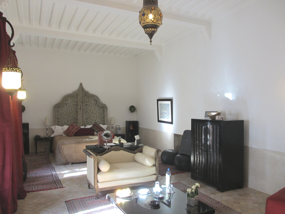 Hotel review luxurious riad farnatchi marrakech adelto for Luxury riad in marrakech