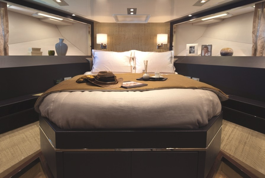 Luxury-Yacht-Charter-10