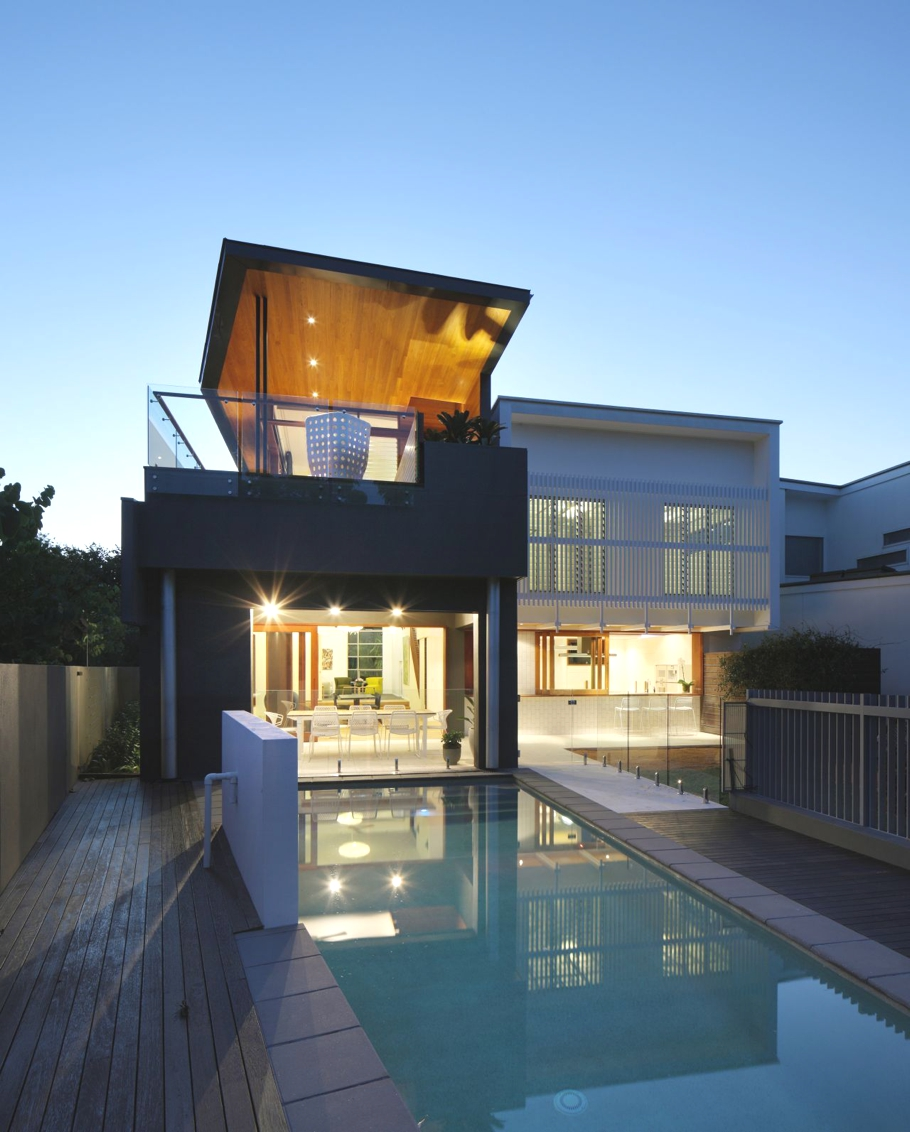 Contemporary indoor outdoor living at park house brisbane for New home designs brisbane