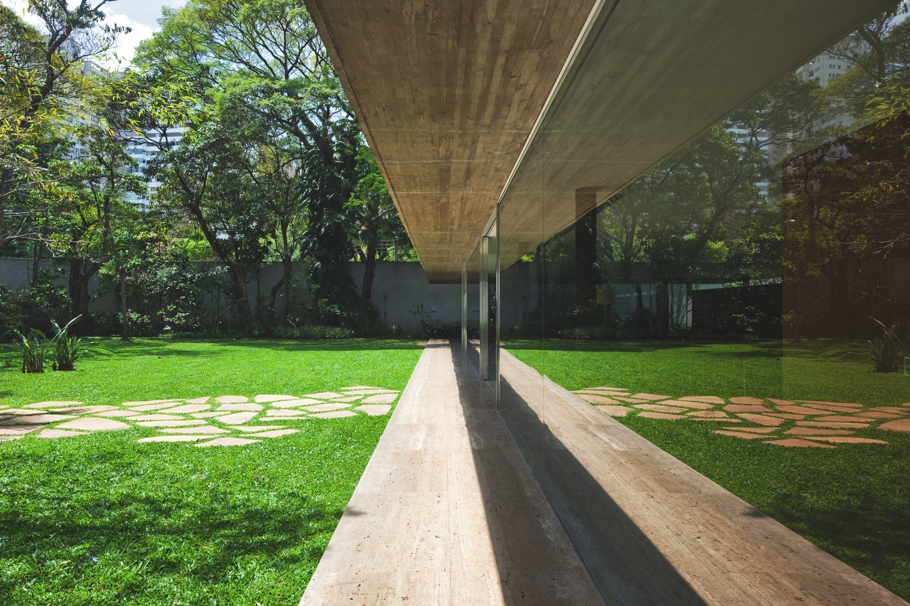 Contemporary-Property-Sao-Paulo-Brazil-01