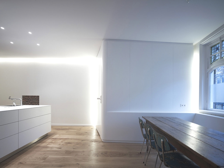 Contemporary-Property-The-Netherlands-02