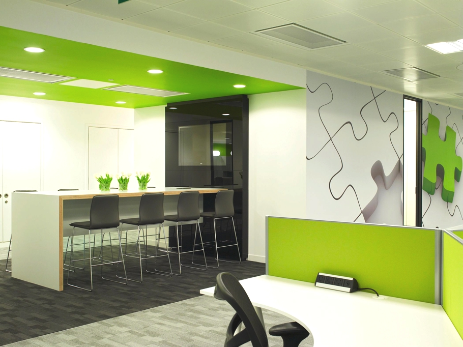 Contemporary office design qliktech england adelto adelto for Modern office