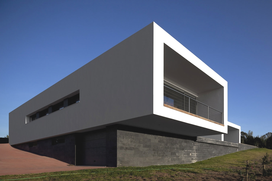 Contemporary-Property-Design-Portugal-01