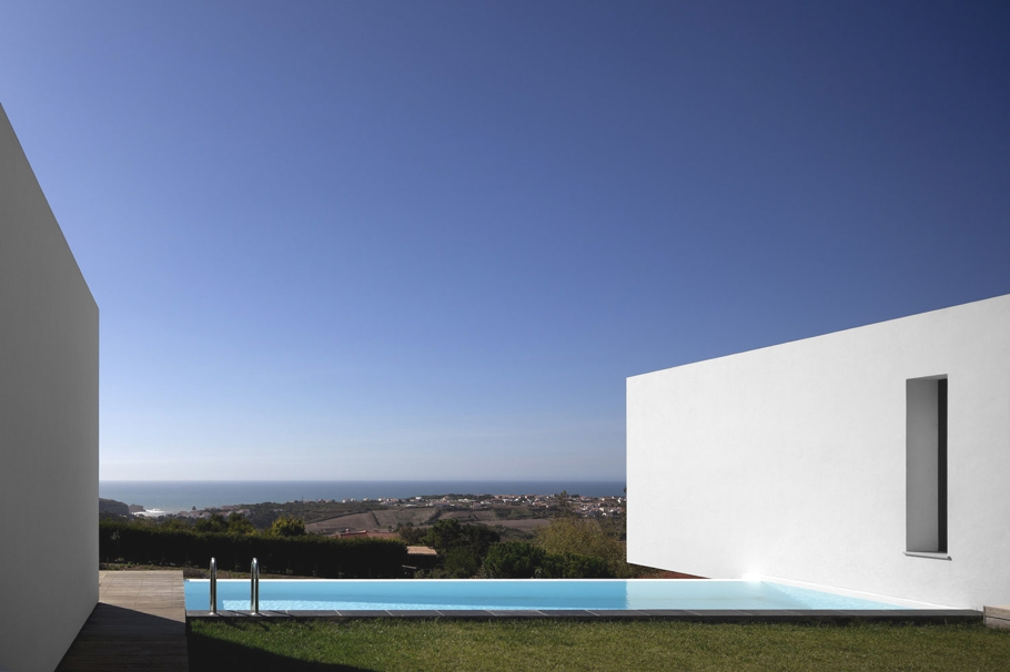 Contemporary-Property-Design-Portugal-06
