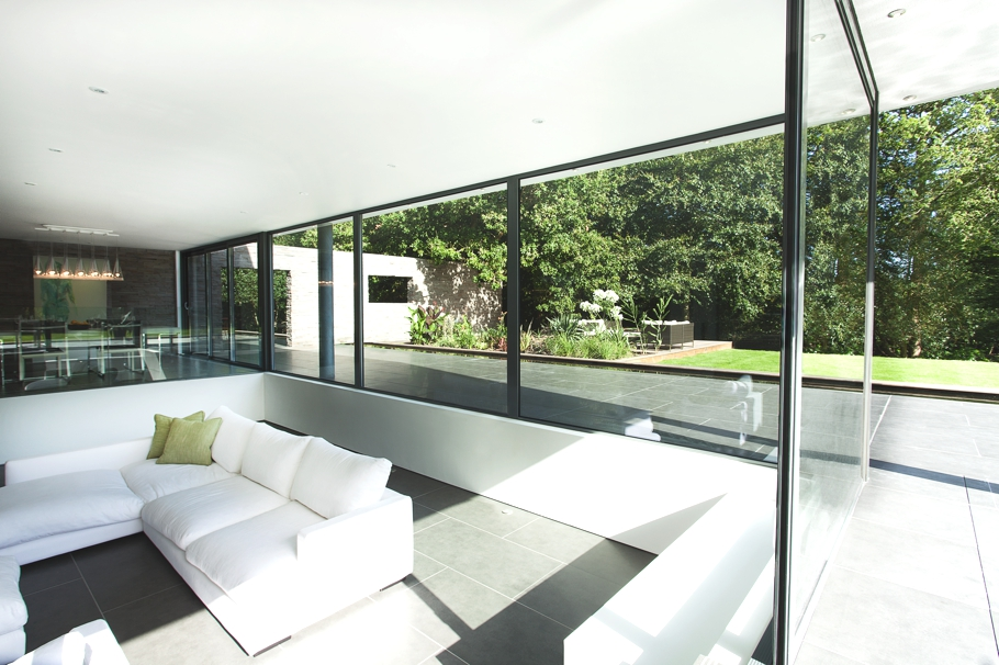Contemporary-Property-Southampton-England-00
