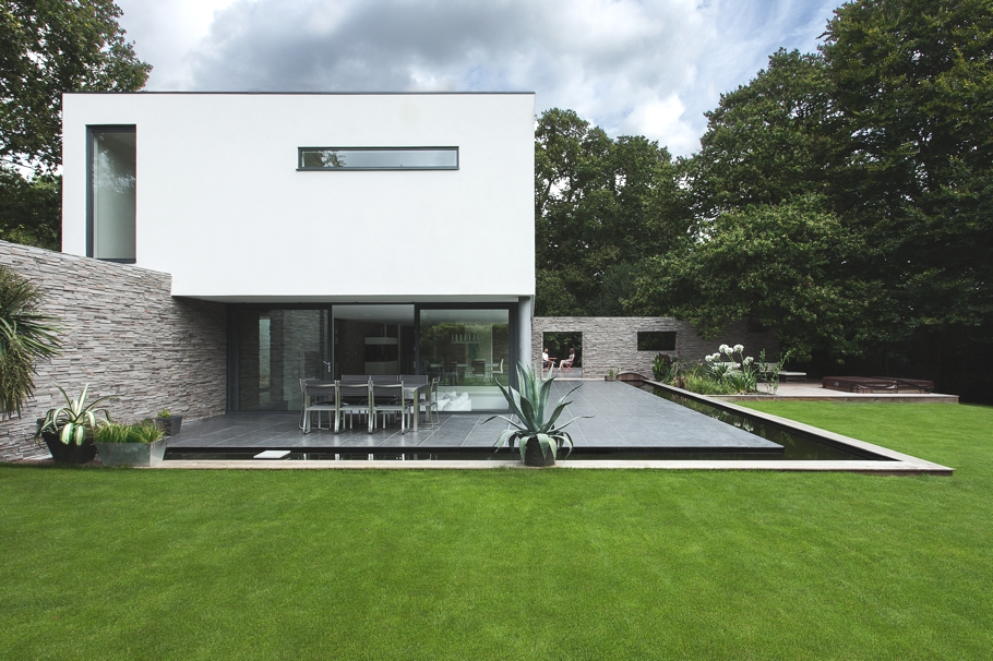 Contemporary-Property-Southampton-England-02