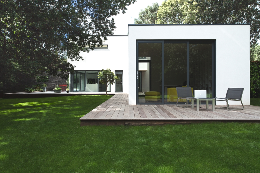 Contemporary-Property-Southampton-England-16