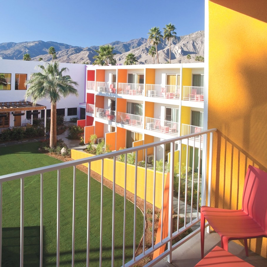 Luxury-Hotel-Palm-Springs-California-14