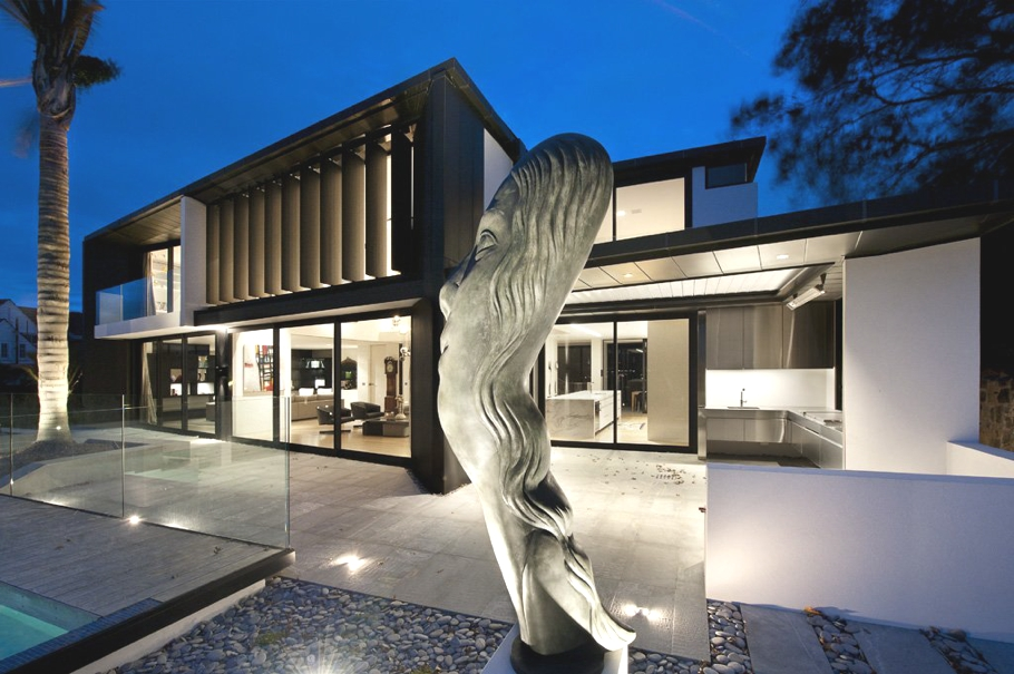 Glamorous interiors at lucerne house new zealand adelto for New zealand house design