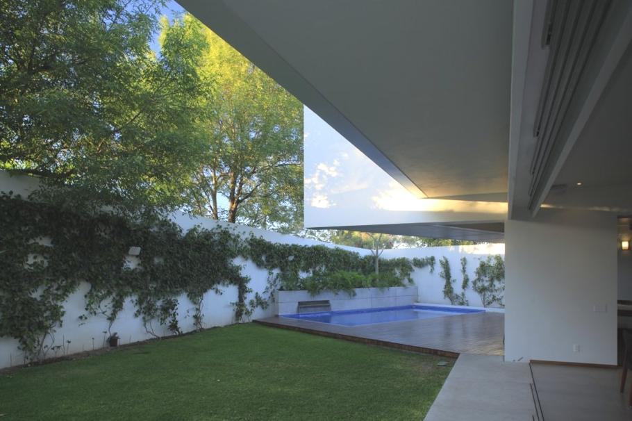 Contemporary-Interior-Design-Property-Mexico-09
