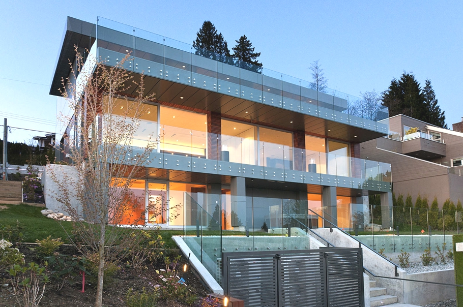Contemporary-Property-Design-Canada-00