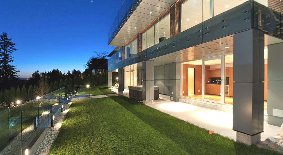 Contemporary-Property-Design-Canada-04