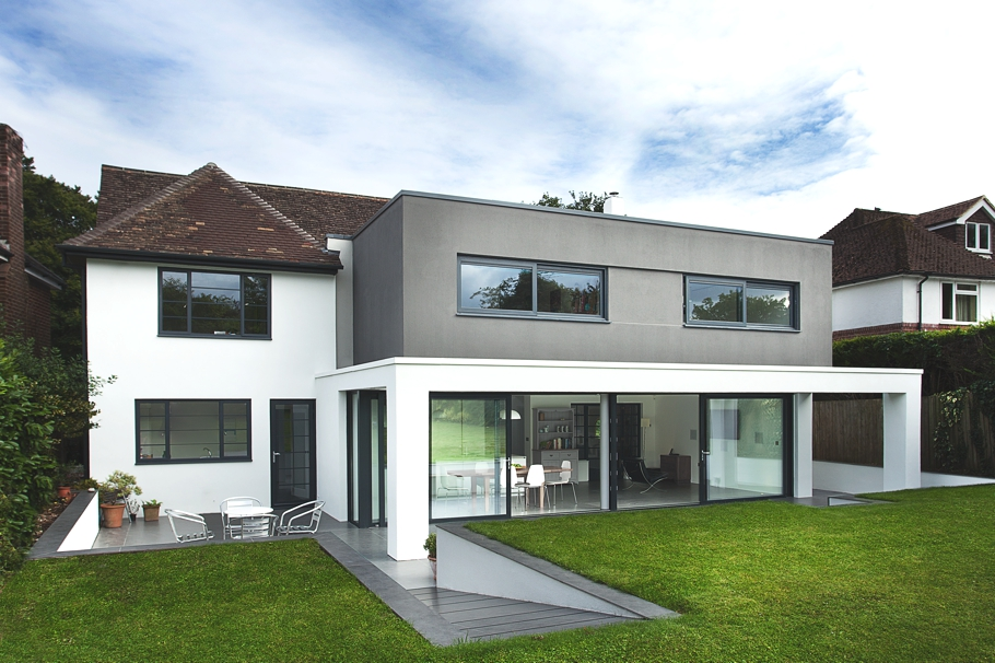 Contemporary-Property-Design-England-01